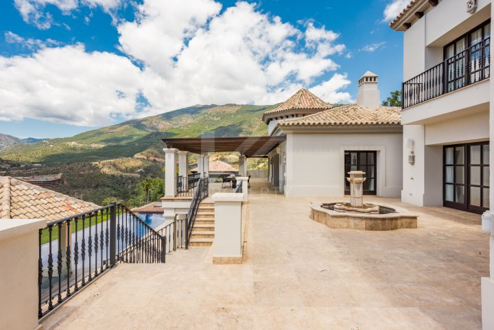 Exclusive mansion with panoramic views in La Zagaleta