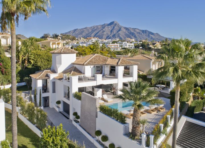Villas for sale in Nueva Andalucia