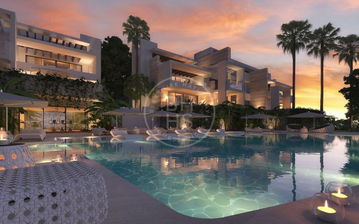 Contemporary off-plan duplex penthouse with sea views located minutes away to Marbella Centre
