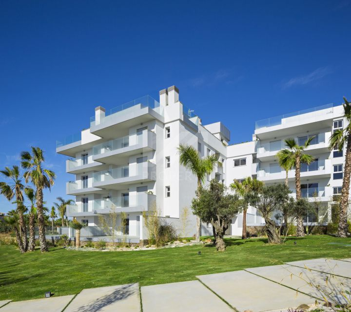 Brand-new 3-bedroom ground-floor apartment with patios and terraces in Cala de Mijas