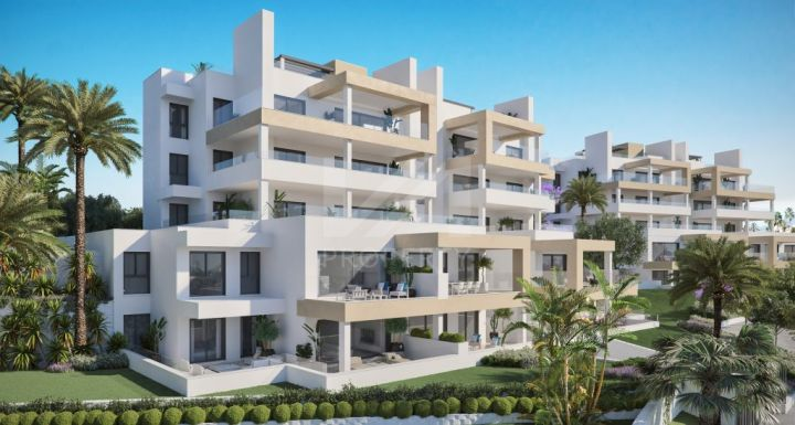 Ideally located first-floor apartment close to all amenities and the Estepona marina