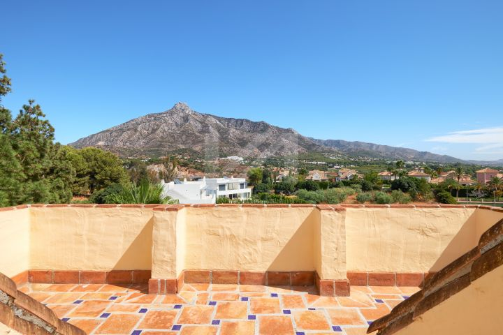Spacious duplex penthouse in Las Lomas del Marbella Club, on Marbella's Golden Mile