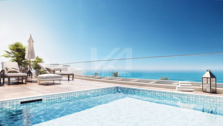 Magnificent off-plan penthouse in a beachfront complex with easy access to Málaga
