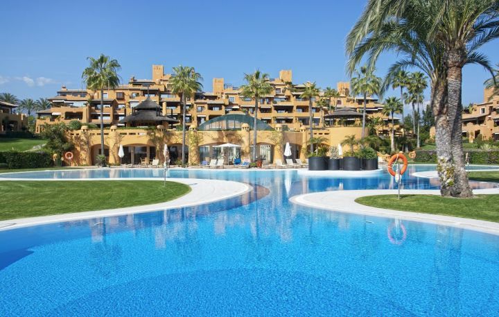 Properties for sale in Los Granados del Mar, Estepona