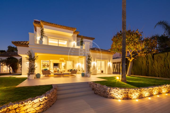 Fully renovated contemporary Mediterranean-style villa next to Los Naranjos Golf Course