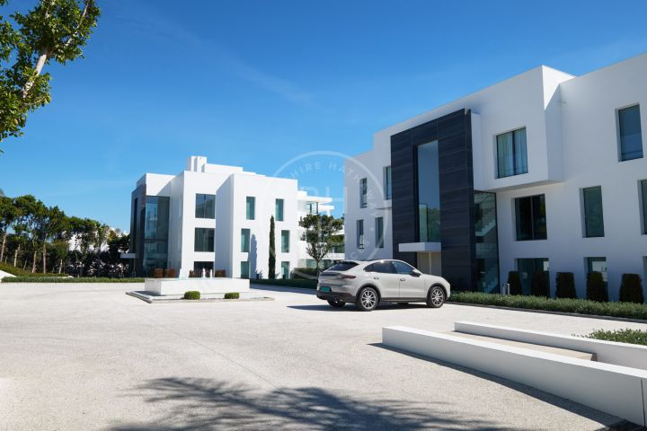 Brand-new beachfront garden apartment on the New Golden Mile