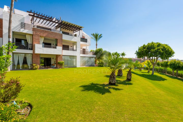 Properties for sale in La Resina Golf, Estepona