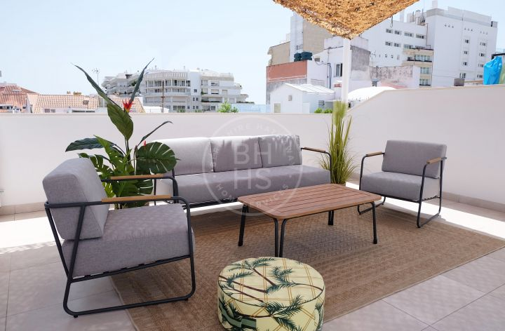 Brand-new townhouse with panoramic views to the Old Town located only a few metres to the beach