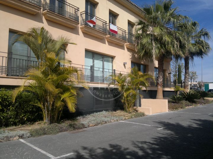 Large office space in a prestigious location on Marbella's Golden Mile