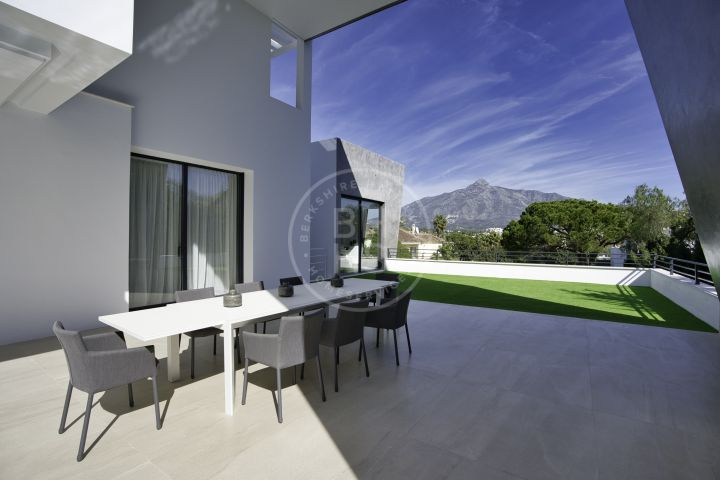 Stylish brand-new villa ideal for entertaining in the heart of the Golf Valley