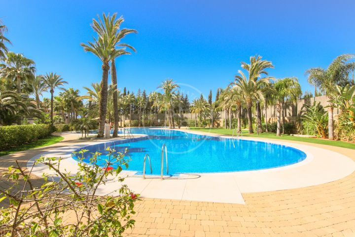 Properties for sale in Medina de Banús, Nueva Andalucia