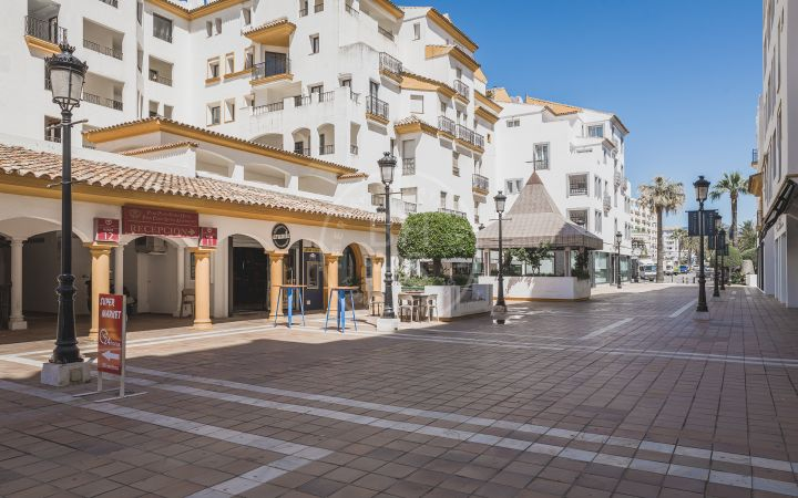 Great leasehold opportunity in a popular location in Puerto Banús