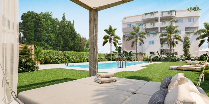 Contemporary refurbished 3 bedroom ground floor apartment in central location and walking distance to Puerto Banus.