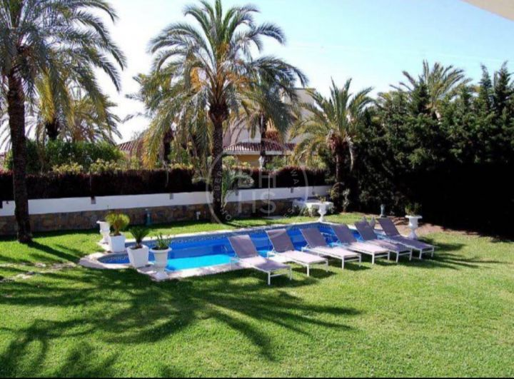 Investment opportunity next to Centro Plaza within walking distance to amenities, Puerto Banús and the beach