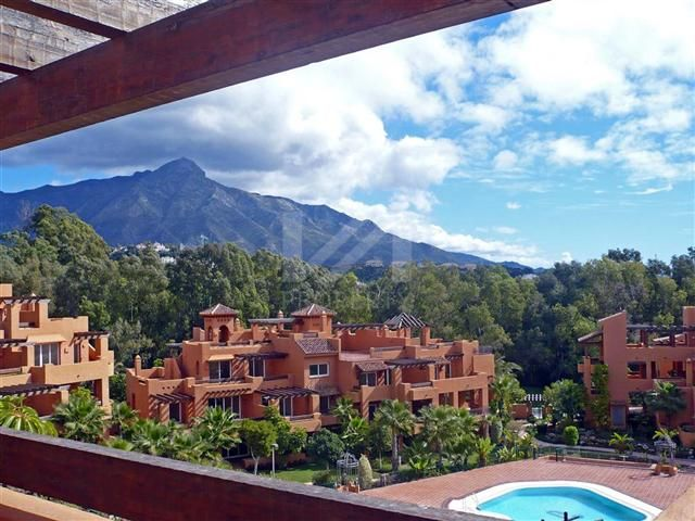 Penthouses for sale in Nueva Andalucia