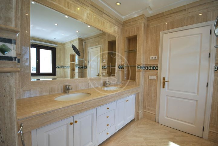 Unfurnished 4 bedroom duplex penthouse in highly secure luxury development on The Golden Mile