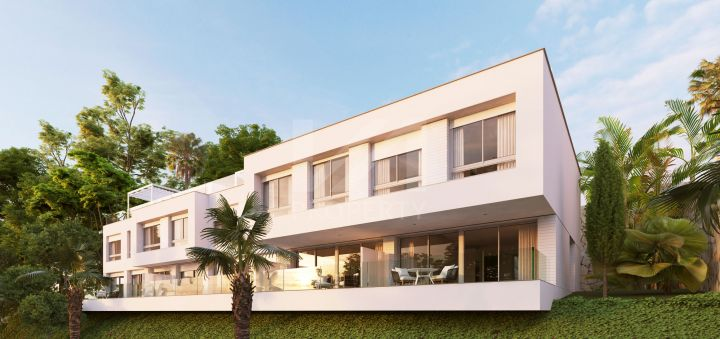 Contemporary brand-new townhouse with sea views on the New Golden Mile