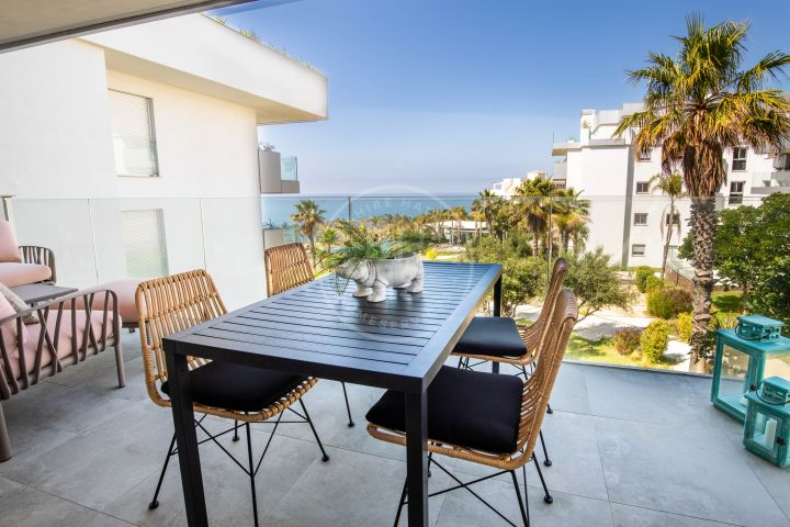 Brand-new 3-bedroom penthouse with sea views in Cala de Mijas