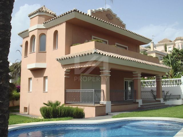 Semi Detached Villas for sale in San Pedro de Alcantara