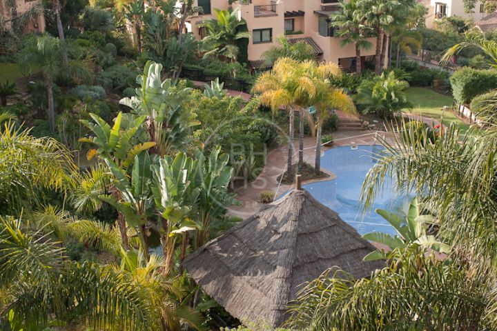 Penthouse in New Golden Mile, Estepona