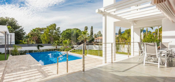 Newly built contemporary-style luxurious villa located close to Aloha and Las Brisas golf courses
