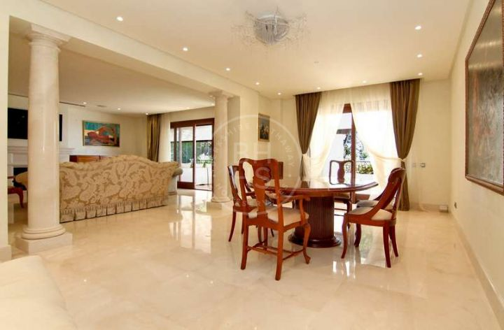 Beachfront duplex penthouse in the 5-star complex of Los Monteros Playa, Marbella East.