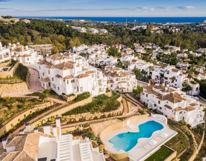 Brand-new garden apartment with sea views in the Golf Valley