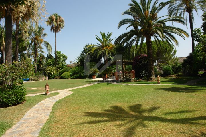 Andalusian-style villa located in Nagüeles, Golden Mile, Marbella.