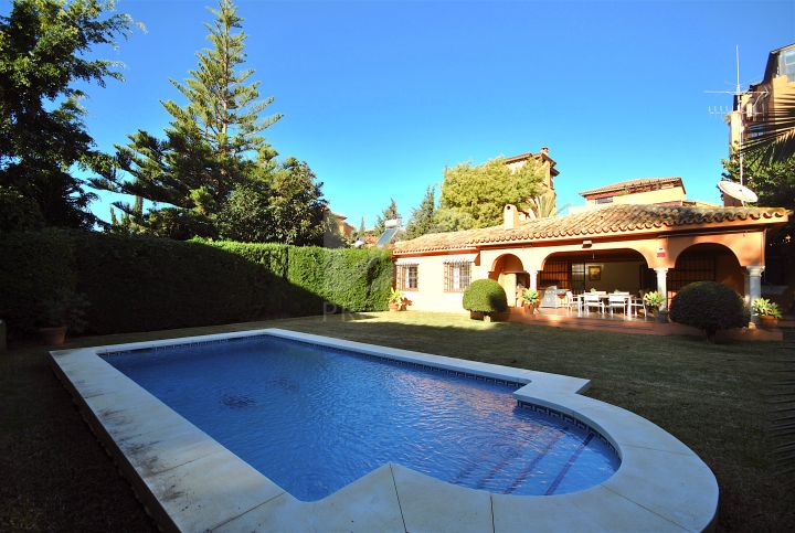 Villas for sale in Paraiso Barronal, Estepona