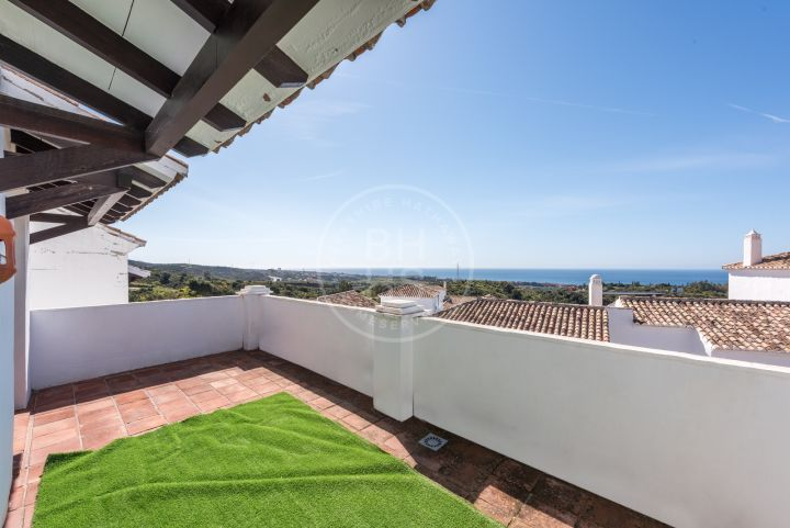Immaculate south-facing triplex located in a gated community in Altos de los Monteros, Marbella East.