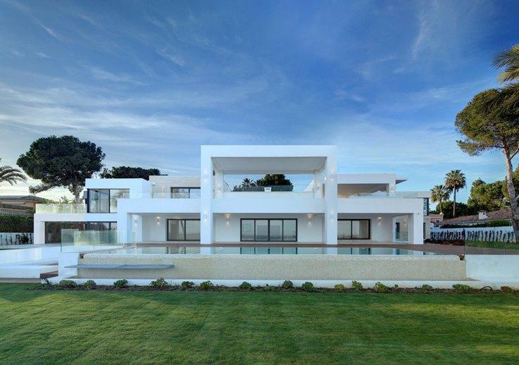 Moderne immobilien in marbella moderne villen und apartments for Moderne villen