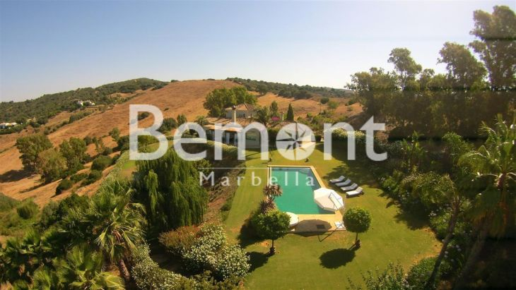 Finca for sale in Sotogrande