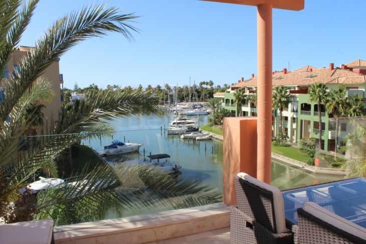 Penthouse for sale in Marina de Sotogrande, Sotogrande