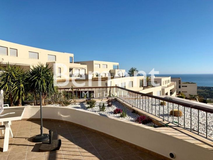 Penthouse for sale in Los Altos de los Monteros, Marbella East