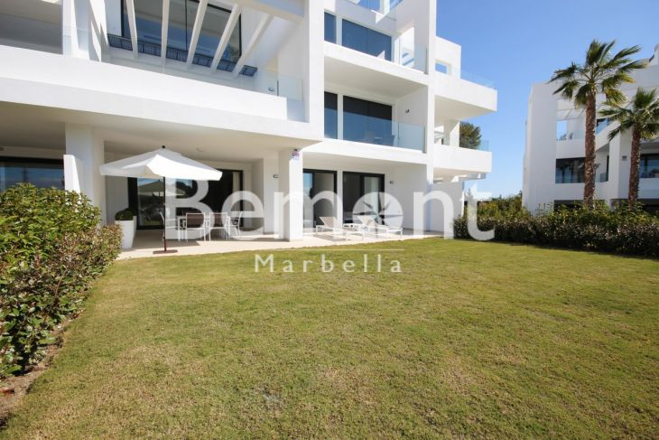 Ground Floor Apartment for sale in Atalaya, Estepona