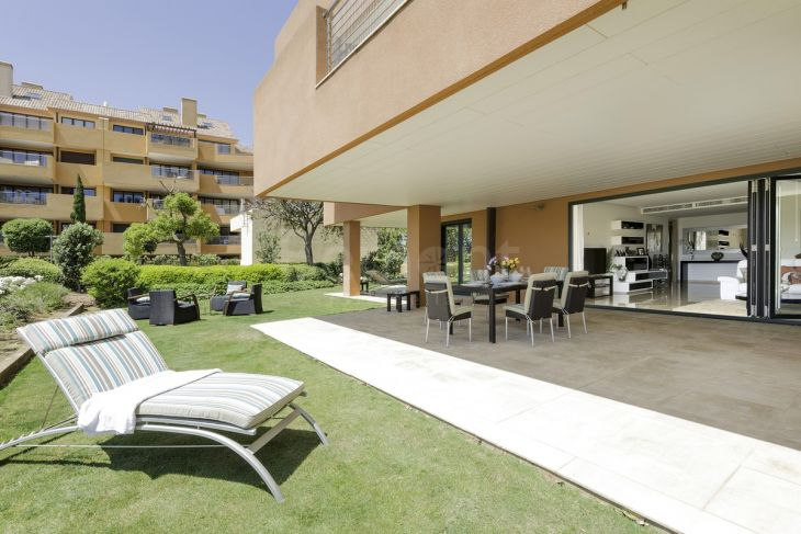 Ground Floor Apartment for sale in Marina de Sotogrande, Sotogrande