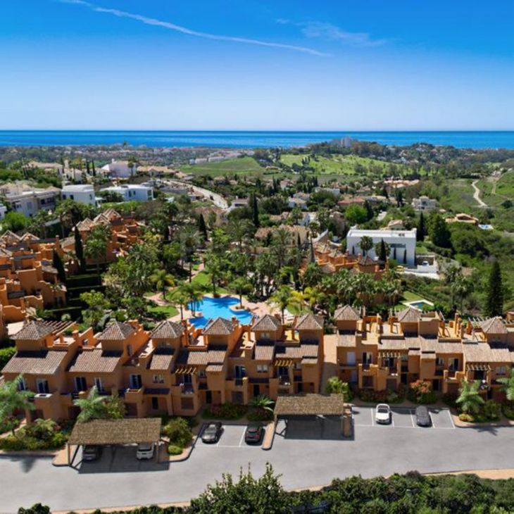 Town House for sale in El Paraiso, Estepona