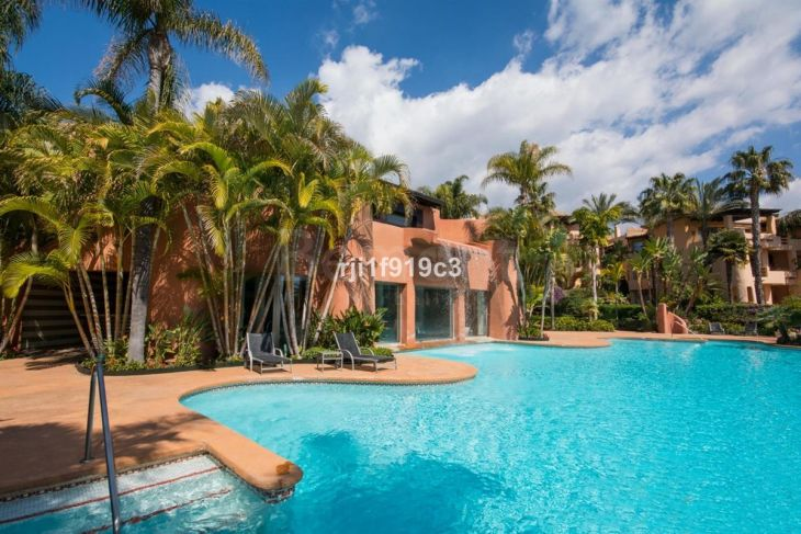 Apartment for sale in Sierra Blanca, Marbella Golden Mile