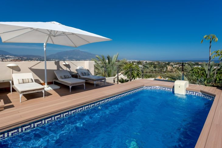 Penthouse for sale in El Paraiso, Estepona