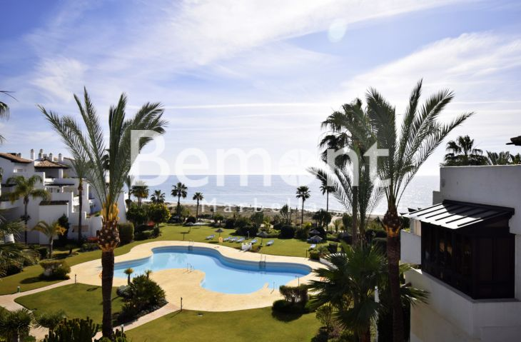 Penthouse for sale in Costalita, Estepona