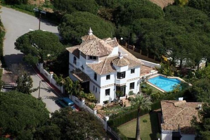 Detached Villa for sale in Elviria, Marbella East
