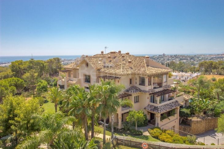 Penthouse for sale in Aloha, Nueva Andalucia