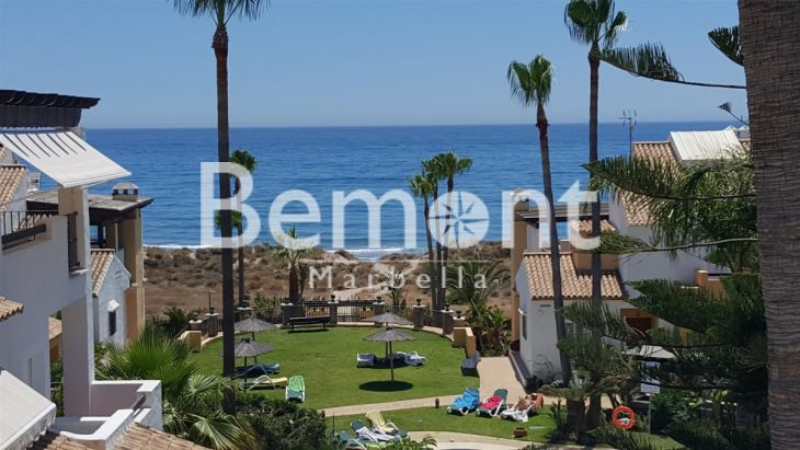 Penthouse for sale in Bahia de Marbella, Marbella East