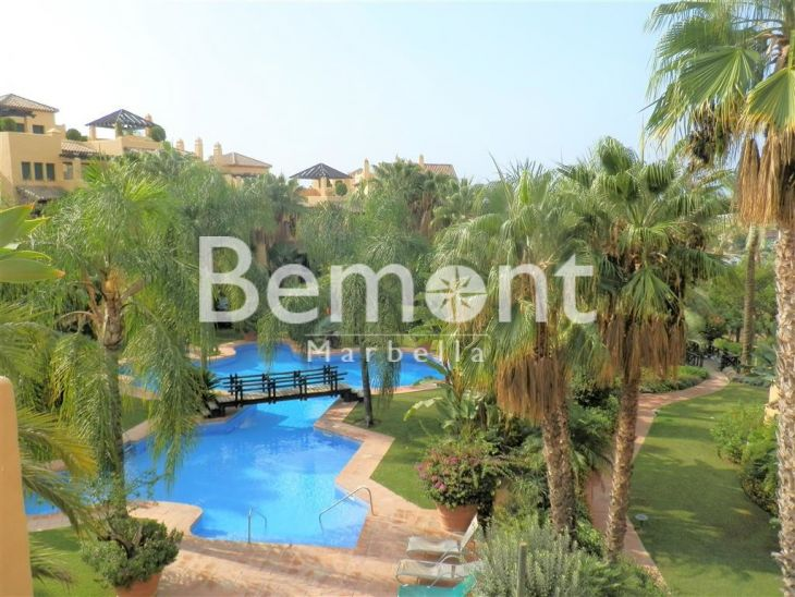 Penthouse for sale in Atalaya, Estepona