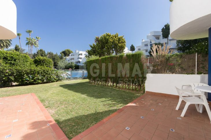 Mijas Costa, Apartment in Calahonda with private garden