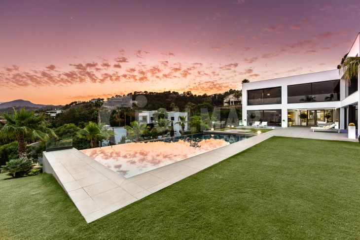 Benahavis, Massive, Modern Mansion with Magnificent sea views