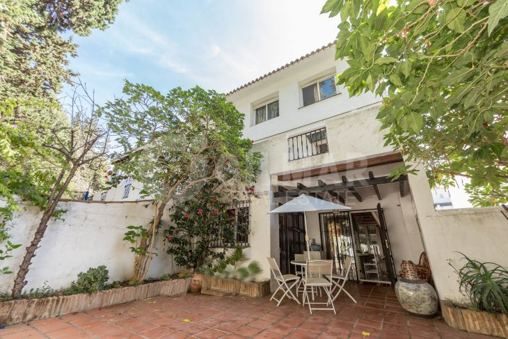 Semi Detached House in Los Naranjos de Marbella, Nueva Andalucia