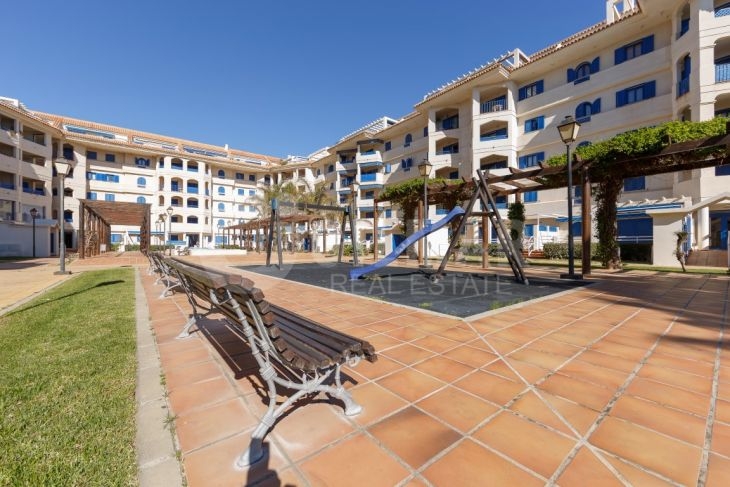 Manilva, Beachfront Ground floor in La Noria