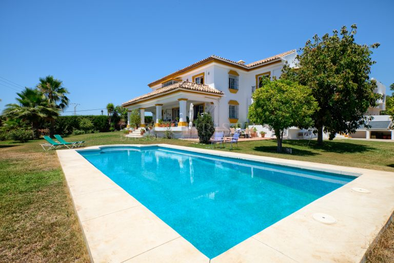 Wonderful Villa in Urb. Valle del Sol, Guadalmina Alta