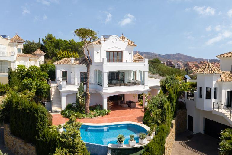 Splendid Villa Elviria in Marbella